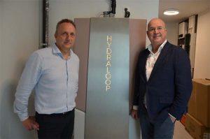 Hydraloop lancering in Belgie. Op de foto Joris Haems, directeur EcoPuur NV en Arthur Valkieser, CEO Hydraloop Systems BV